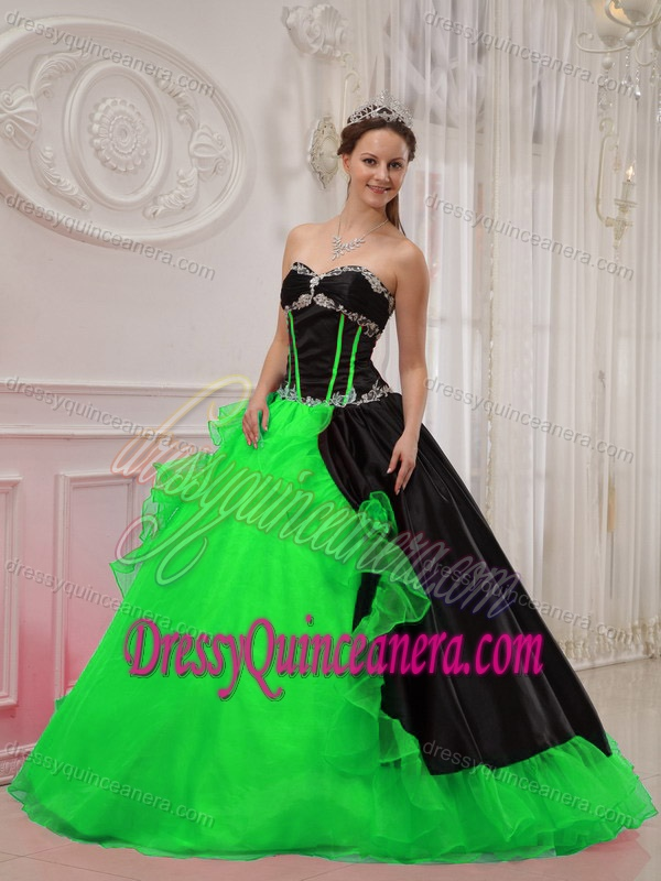 Beautiful Sweetheart Satin and Organza Quinceanera Dresses with Appliques
