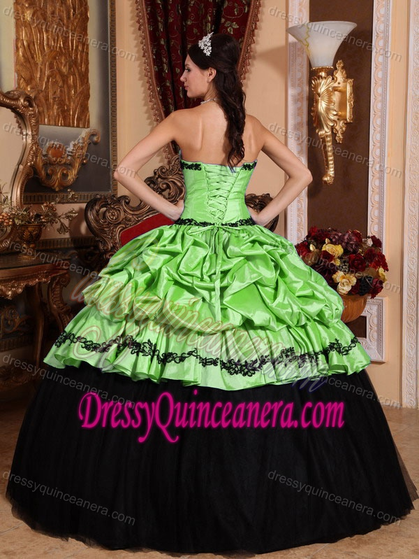 Strapless Elegant Appliqued Taffeta Quince Gowns in Yellow Green