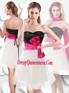 Beautiful Short White and Black Dama Dress with Bowknot
