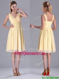 Empire Light Yellow V Neck Knee Length Short2016 Dama Dress with Ruching