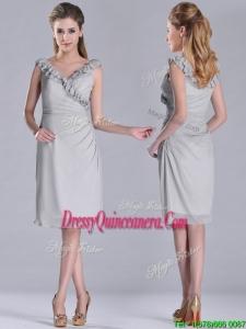 Modest V Neck Grey Chiffon Short Beautiful Dama Dress with Side Zipper