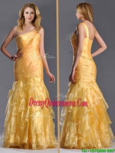 Elegant Mermaid One Shoulder Organza Ruffled Beautiful Dama Dress in Gold