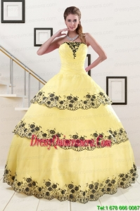 2015 Perfect Light Yellow Quinceanera Dress with Appliques and Ruffled Layers