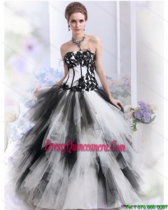 2015 Unique White and Black Strapless Quinceanera Dresses with Appliques