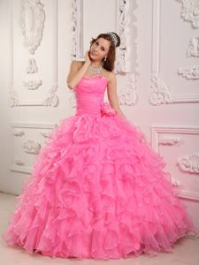 Romantic Sweetheart Organza Quinceanera Gowns with Beading in Rose Pink