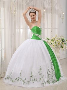 Sweetheart Organza Quinceanera Dress on Promotion with Embroidery