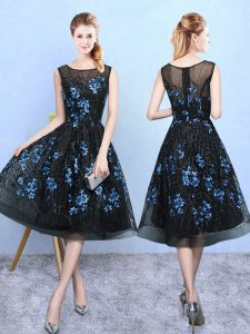Affordable Blue And Black Sleeveless Appliques Knee Length Court Dresses for Sweet 16