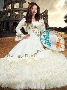 Spectacular Floor Length Ball Gowns Long Sleeves White 15 Quinceanera Dress Lace Up