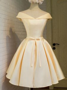 Champagne Taffeta Lace Up Quinceanera Court Dresses Cap Sleeves Knee Length Belt