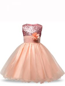 Popular Peach Organza Zipper Girls Pageant Dresses Sleeveless Knee Length Sequins and Hand Made Flower