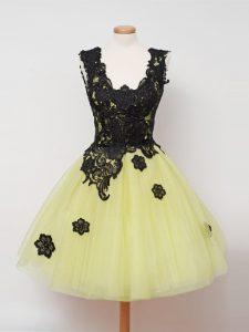 Yellow Sleeveless Lace Knee Length Quinceanera Dama Dress