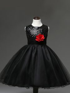 Great Black Tulle Zipper Scoop Sleeveless Knee Length Little Girl Pageant Gowns Sequins and Hand Made Flower
