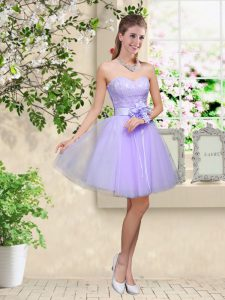 Classical Knee Length Lilac Dama Dress for Quinceanera Sweetheart Sleeveless Lace Up