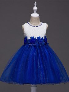 Elegant Royal Blue Tulle Zipper Scoop Sleeveless Knee Length Girls Pageant Dresses Lace and Hand Made Flower