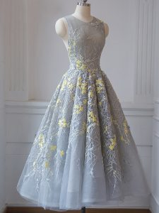 Trendy Grey A-line Tulle Scoop Sleeveless Lace Tea Length Criss Cross Dama Dress for Quinceanera