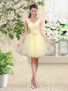 Sleeveless Tulle Knee Length Lace Up Court Dresses for Sweet 16 in Light Yellow with Lace and Belt