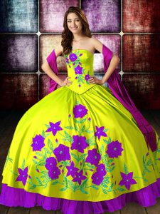 Deluxe Floor Length Yellow Green Sweet 16 Quinceanera Dress Strapless Sleeveless Lace Up