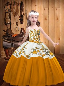 Classical Gold Sleeveless Floor Length Embroidery Lace Up Little Girl Pageant Gowns