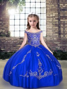 Exceptional Off The Shoulder Sleeveless Little Girls Pageant Dress Floor Length Beading Royal Blue Tulle