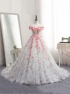 White Ball Gowns Appliques 15th Birthday Dress Lace Up Tulle Sleeveless