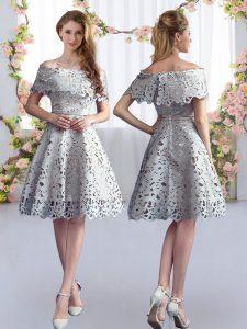 Knee Length Grey Quinceanera Dama Dress Off The Shoulder Short Sleeves Zipper