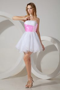 Mini Length Zipper Vestidos de Damas White for Prom and Party with Beading