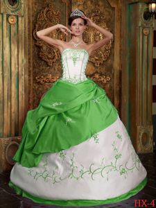 Green Strapless Satin Quinceanera Dress with Embroidery for Custom Made