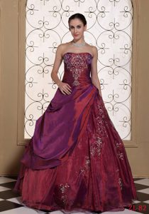 Modest Quinceanera Dresses for 2013 Taffeta and Organza with Embroidery