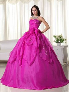 Strapless Fuchsia Organza Classical Quinceanera Dresses with Appliques
