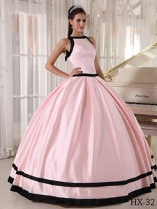 Lovely Bateau Ball Gown Quinceanera Dresses in Satin in Pink and Black