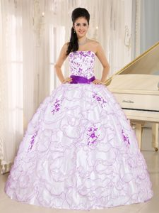 White and Purple Organza Quinceanera Gown Dresses with Embroidery and Sash