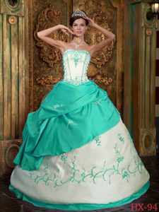 Pretty Apple Green Strapless Embroidery Dresses for Quinceanera in Satin