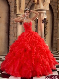 Red Sweetheart Ruffled Organza Quinces Dresses with Beading and Ruffles