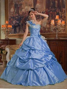 Blue One Shoulder Taffeta Sweet 15 Dresses with Beading and Handle Flower