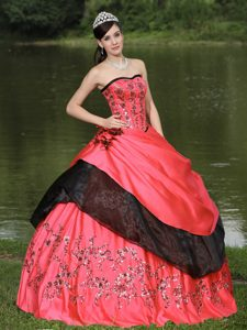 Flamingo Red Sweet 16 Quince Dresses with Hand Made Flowers and Embroidery