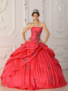 Ball Gown Strapless Red 2013 Quinceaneras Dress with Pick-ups and Embroidery