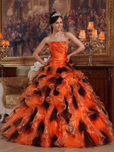 Beading and Ruching Organza Sweet 16 Dresses with Ruffles in Orange and Black