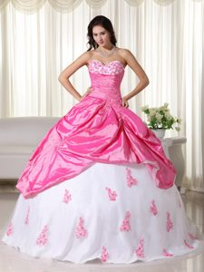Pink And White Sweetheart Sweet Sixteen Dresses with Appliques and Pick-ups