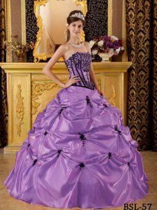 New Strapless Lavender Taffeta Quinceanera Gown Dress with Pick-ups and Appliques