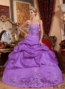 Lavender Sweetheart Taffeta Quinceanera Gown Dress with Pick-ups and Appliques