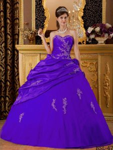 Bright Purple Sweetheart Taffeta Quinceanera Dresses with Appliques and Pick-ups