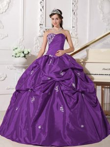 New Sweetheart Lavender Taffeta Dress for Quinceanera with Appliques and Pick-ups