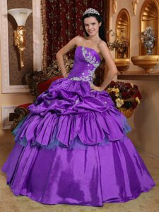 Ruched Sweetheart Taffeta Purple Quinceanera Dresses with Pick-ups and Appliques