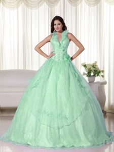 Charming Halter Top Floor-length Chiffon Quince Dresses in Apple Green