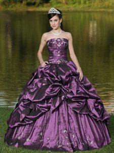 Popular Strapless Beaded Taffeta Plus Size Quinceanera Gown in Purple