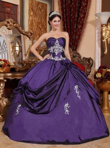 White Appliques for Eggplant Purple Sweetheart Quinceanera Gown Dresses