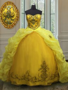 Sweetheart Sleeveless Sweet 16 Dresses With Train Court Train Beading and Appliques and Pick Ups Light Yellow Organza
