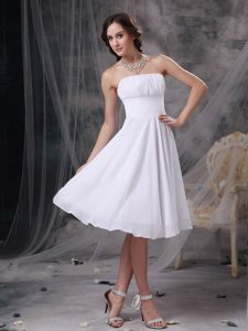 White A-line Strapless Sweet Ruched Quinces Dama Dresses in Chiffon