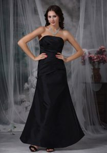 Lovely Black A-line Strapless Ankle-length Quinces Dama Dress in Satin