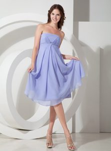 Cheap Lilac Empire Strapless Quinceanera Dama Dress with Beading
